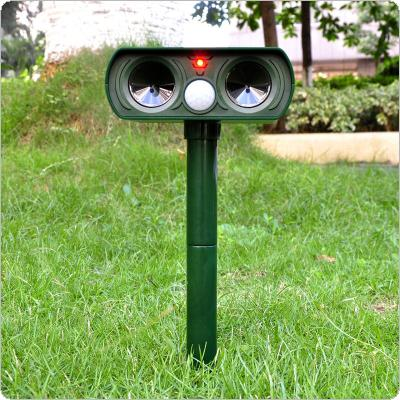 Solar Charging Ultra Sonic Garden Pest Repeller Cat Dog Animal Deterrent